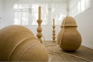 J.Villani, Bilboquets ou l'origine du monde, 2002, School Gallery Paris O. Castaing.